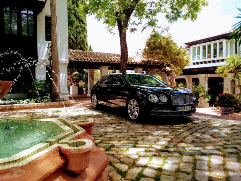 luxury-services-driven-car-hire-04